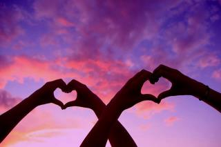 Attract Love! Live Vibrantly!